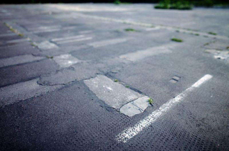 Traces-of-posts-of-limiting-fence-Bornholmer-Strasse-Km-11-Prenzlauer-Berg-3